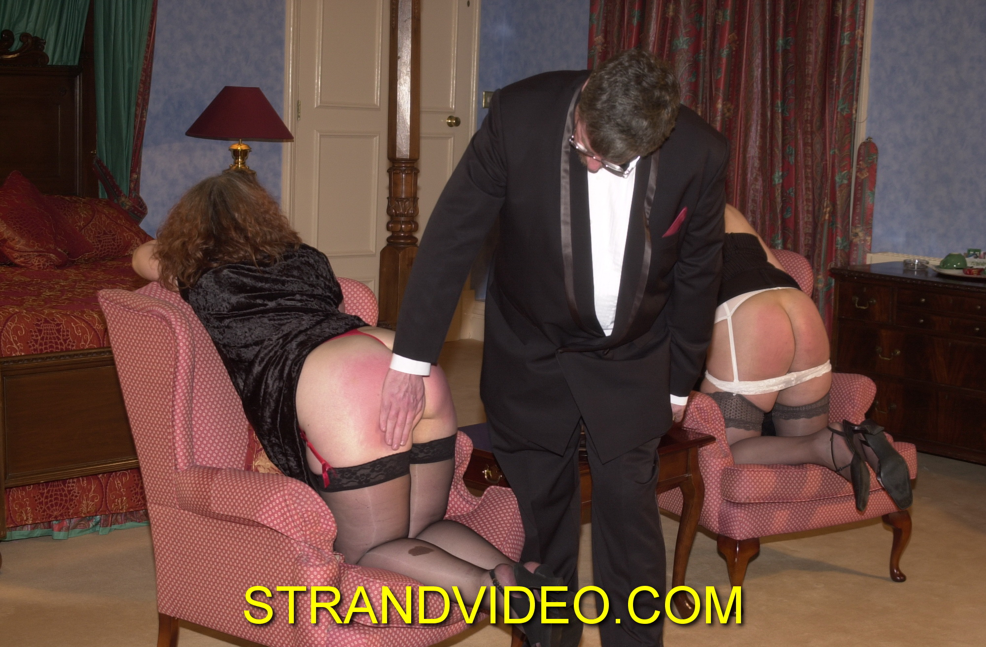 spanking-annie-sue-034.npp485